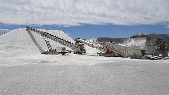 titan-t450-4-and-ts-1042-stockpiling-road-salt-112