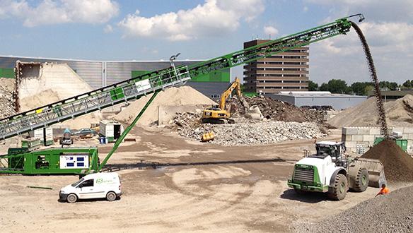 ts-842-stockpiling---tracks-genset-and-walkways