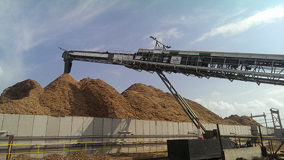 ts-150-stockpiling-woodchips-1