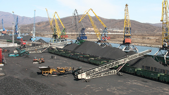 ts-850-stockpiling-in-coal-yard-5_2