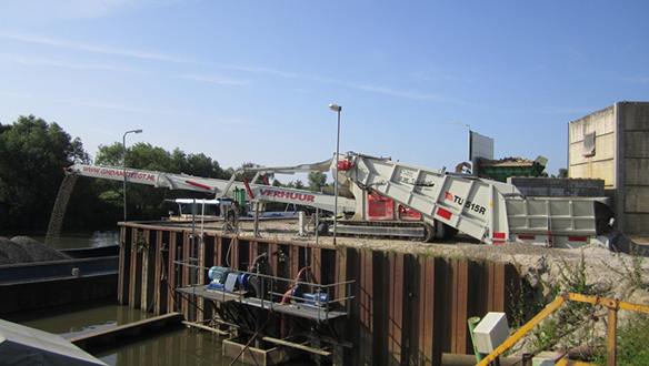 tu-radial-truck-unloader-bargeloading